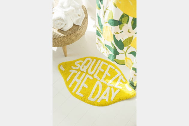 Tapis de bain Squeeze the Day d'Urban Outfitters
