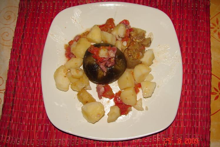 Aubergines farcies aux lardons, tomates et ail
