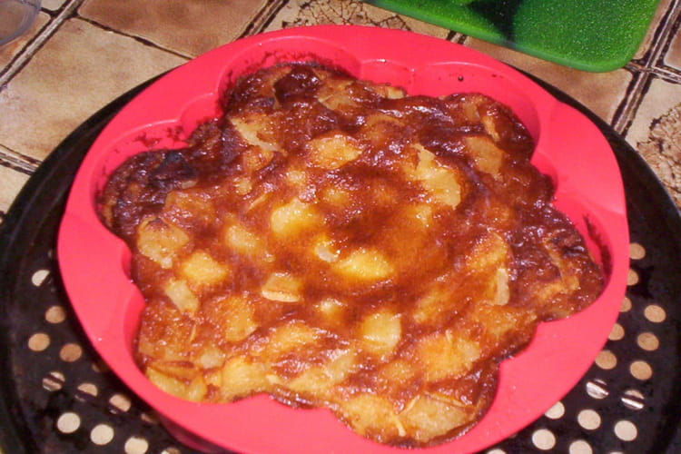 Clafoutis aux pommes caramélisées