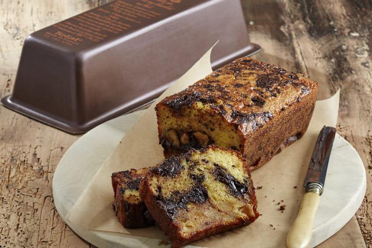 Cake aux pommes caramélisées et pépites de chocolat