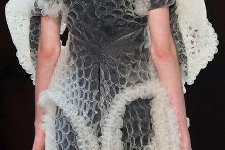 Iris Van Herpen (Close Up) - photo 12