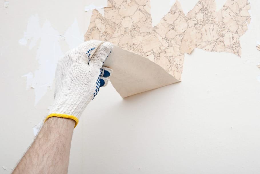comment d coller du papier peint les astuces et produits. Black Bedroom Furniture Sets. Home Design Ideas