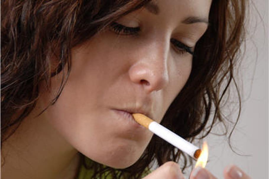 Cancer du sein: les fumeuses sont plus exposées
