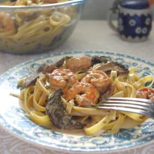 tagliatelles crevettes et crème aux champignons