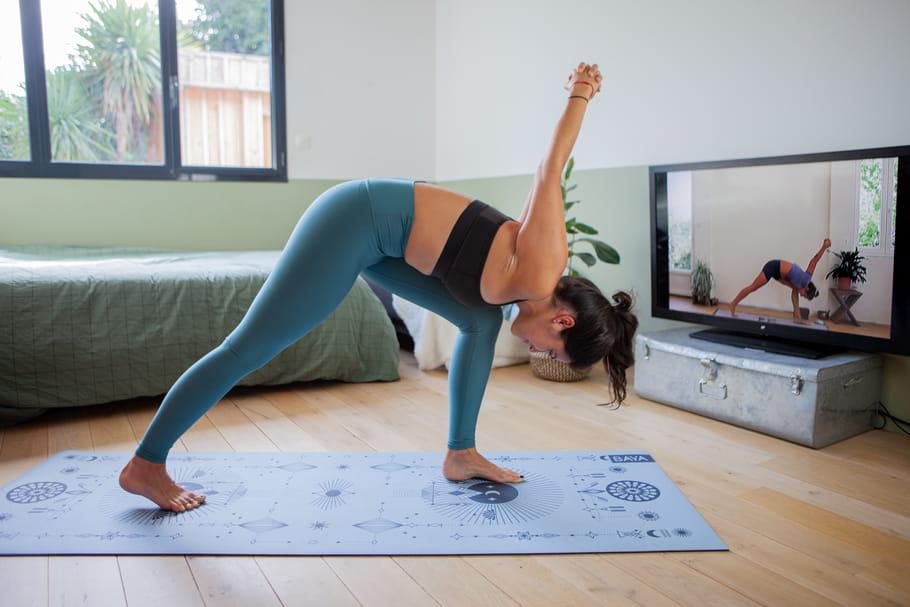 BAYA lance une plateforme de cours en ligne pour faire du yoga à la maison