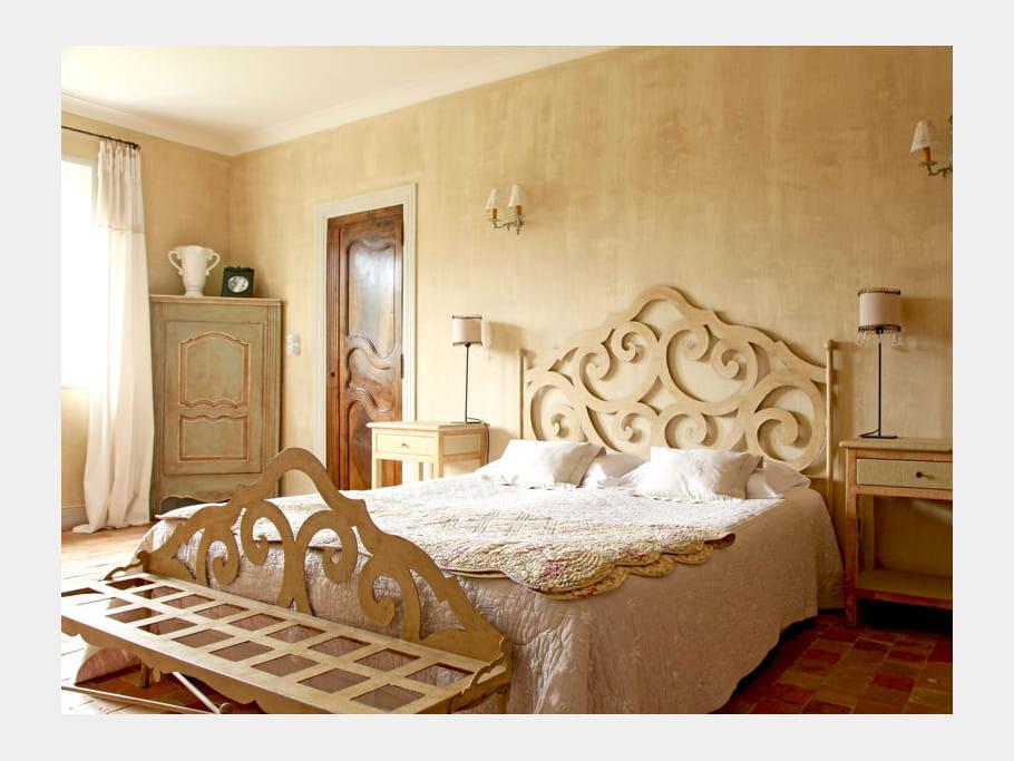 t te de lit travaill e 65 id es originales pour refaire sa t te de lit journal des femmes. Black Bedroom Furniture Sets. Home Design Ideas