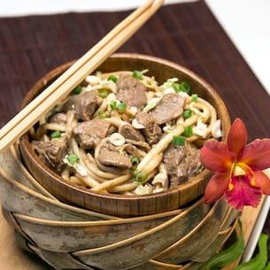 nouilles à l'agneau aux saveurs d'asie
