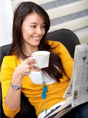 pensez à prendre une boisson chaude en lisant votre journal.