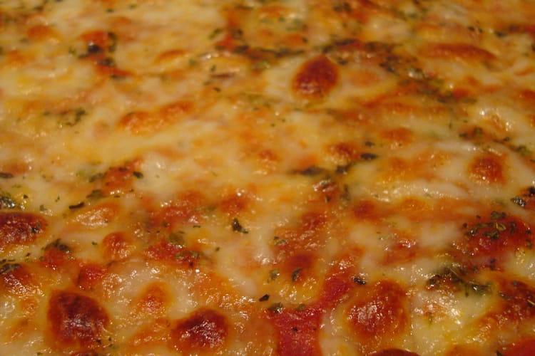 Pizza crousti-moelleuse saveurs partagées