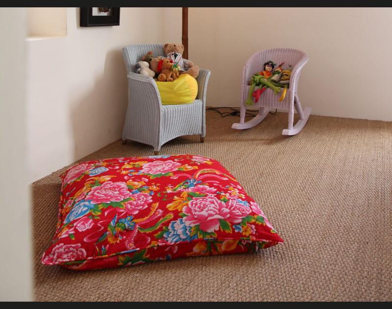 Coussin de sol aux motifs pivoine