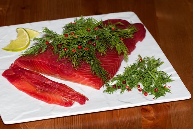 Saumon Gravlax à la betterave rouge