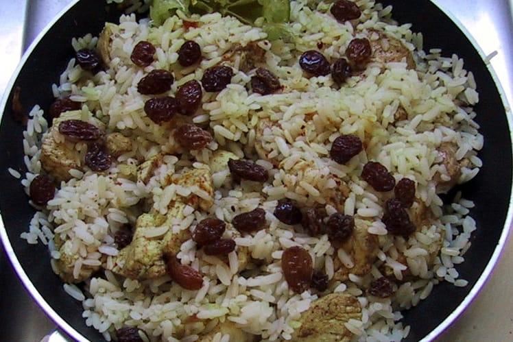 Poulet créole au curry, oignons et raisins secs