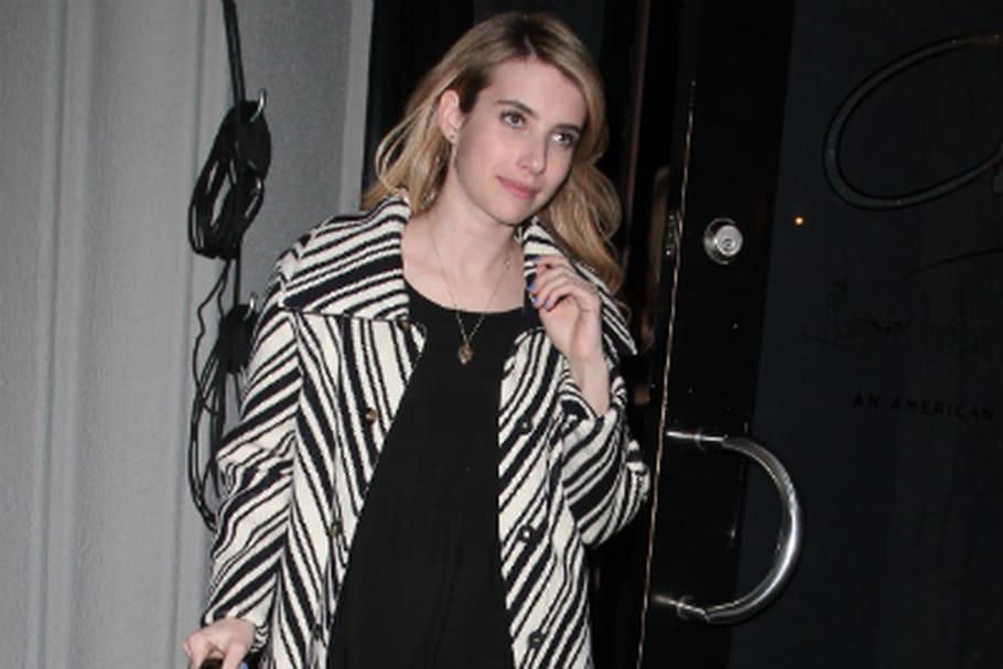 Le look people du jour: Emma Roberts, version noir et blanc