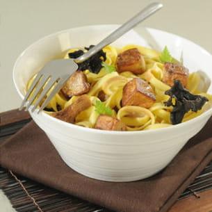 tagliatelles aux dés de foie gras et champignons des bois