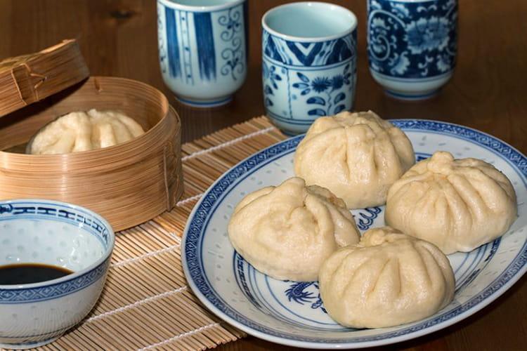 Brioche à la vapeur farcie au porc et aux champignons, Bánh Bao