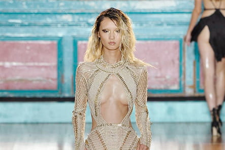 Julien Macdonald - passage 43