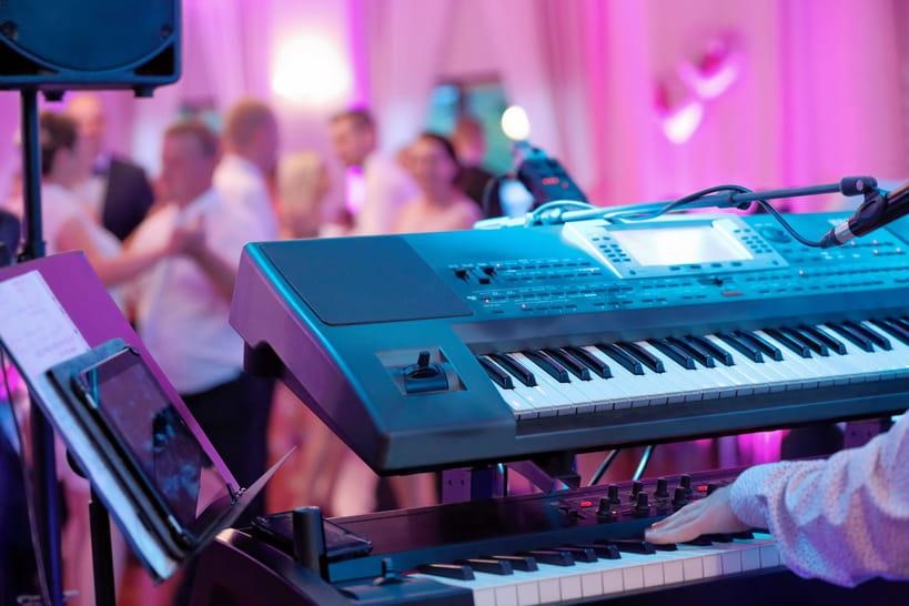 Musique de mariage: DJ, groupe ou orchestre?