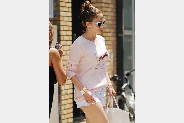 Jennifer Lopez, sage en short blanc
