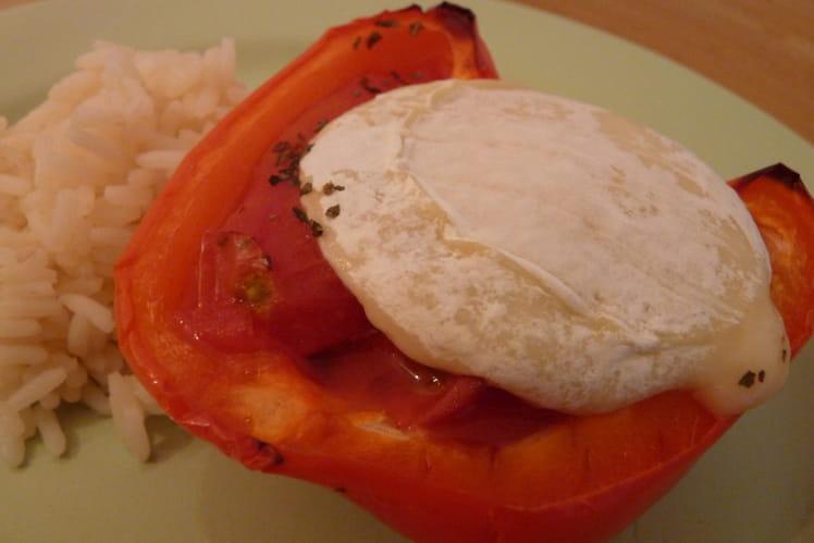 Poivron farci à la tomate et au chèvre