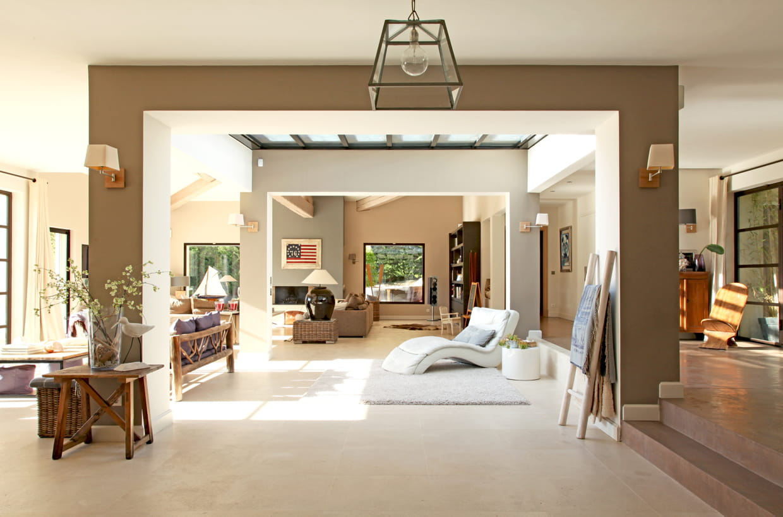 une arche de salon. Black Bedroom Furniture Sets. Home Design Ideas