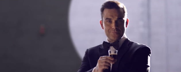 Robbie Williams, agent secret pour Café Royal