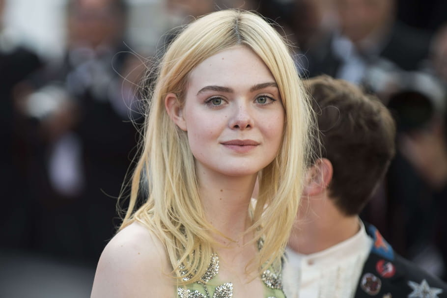 elle fanning les tournages me font grandir en tant que femme. Black Bedroom Furniture Sets. Home Design Ideas
