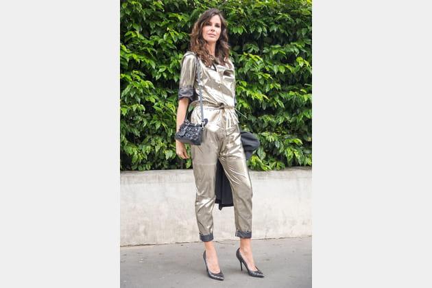 Street style à Paris : la combi lamée