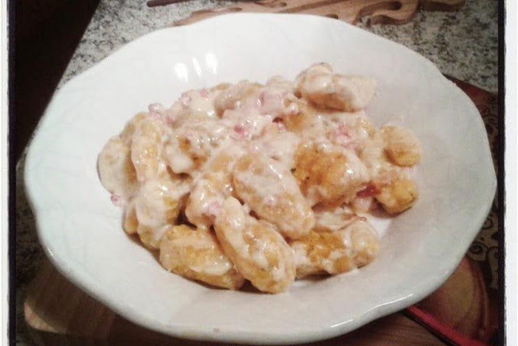 Gnocchis pomme de terre et carottes au basilic sauce à la crème à la pancetta et au parmesan