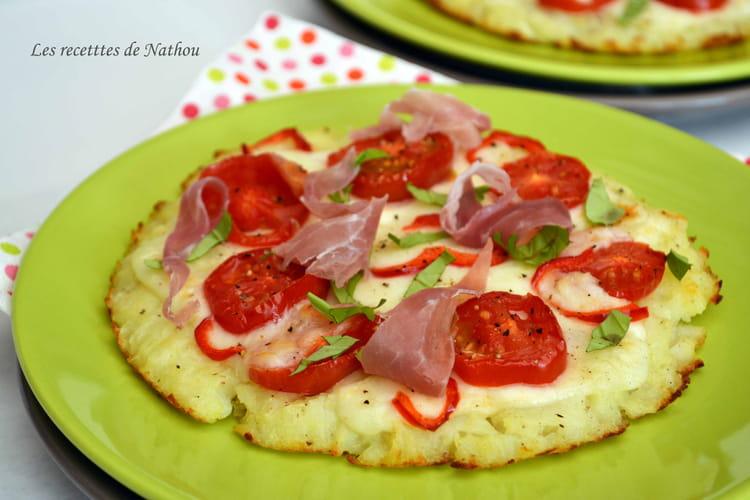 Galettes de pomme de terre comme une pizza