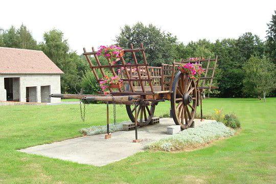 la charrette au milieu du jardin. Black Bedroom Furniture Sets. Home Design Ideas