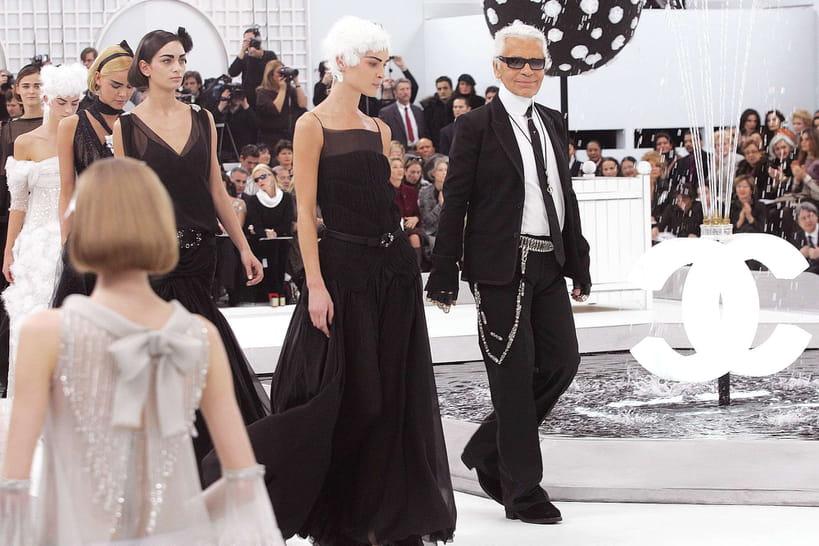 Les plus belles robes noires de Karl Lagerfeld