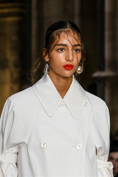 Simone Rocha (Close Up) - photo 2