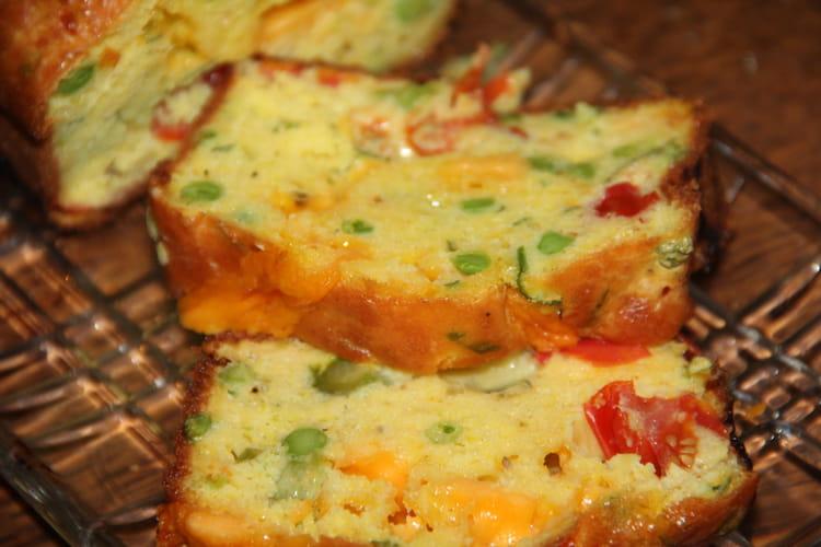 Cake printanier asperges vertes, petits pois, tomates cerise