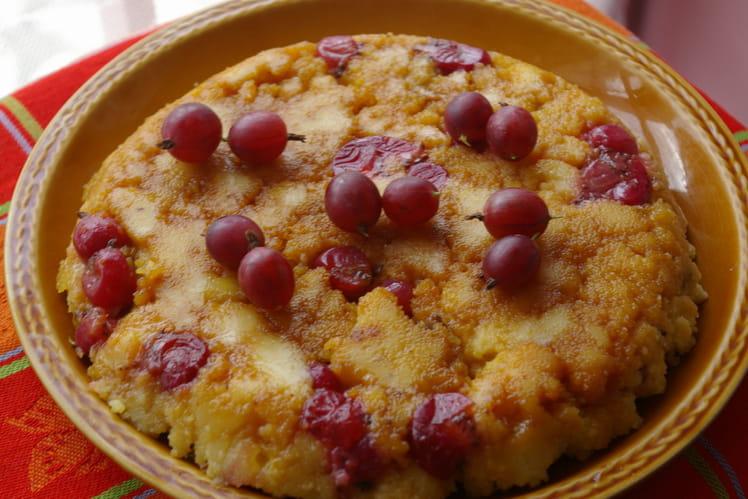 Gâteau de semoule aux groseilles à maquereau