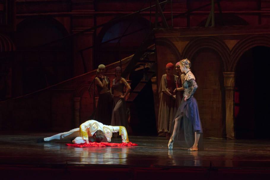Une version de l'opéra Carmen dénonce les violences faites aux femmes