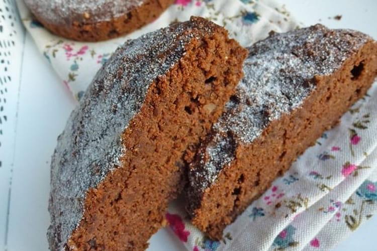 Gâteau chocolat et noisettes à la farine de châtaigne et de sarrasin sans céréales