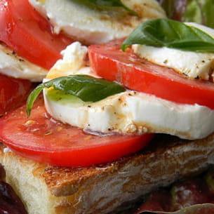 bruschetta tomates mozzarella