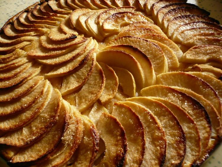 Recette de tarte aux pommes caram lis es la recette facile - Feuillete aux pommes caramelisees ...