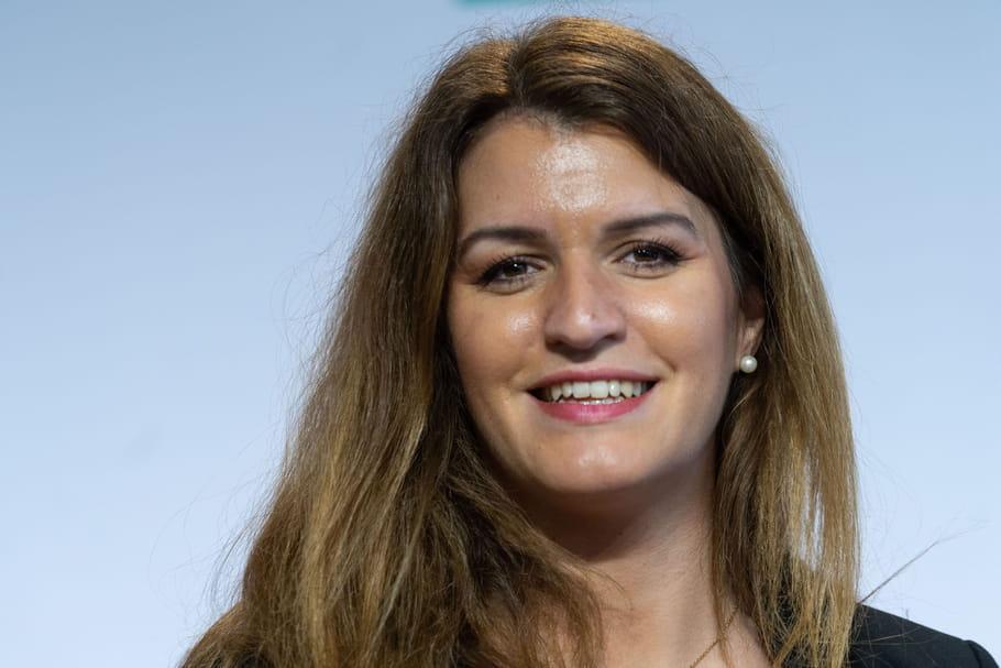 """""""Partir avant de mourir de fatigue au travail"""": quand Marlène Schiappa critiquait la réforme des retraites"""