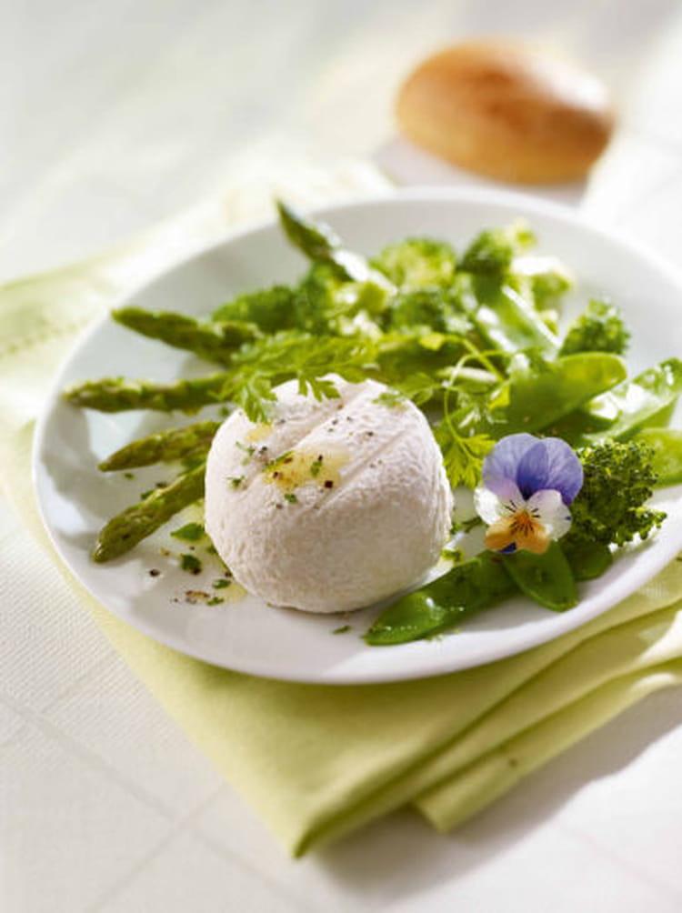 recette de salade de crottin de ch vre aux pois gourmands et brocolis la recette facile. Black Bedroom Furniture Sets. Home Design Ideas