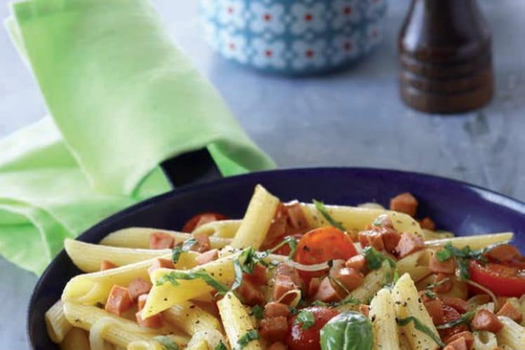 Poêlée de penne, tomates cerises et Knacki®
