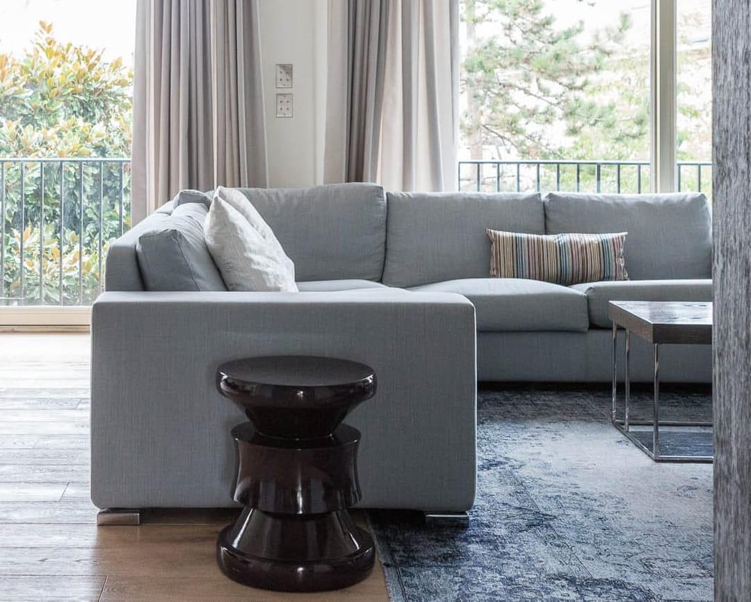 Comment Disposer Des Cadres Au Dessus D Un Canapé 16 idées chic et pas chères pour relooker son canapé et le
