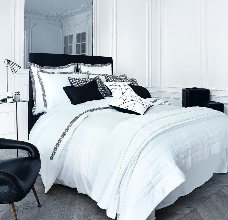 couvre lit sublime par descamps. Black Bedroom Furniture Sets. Home Design Ideas