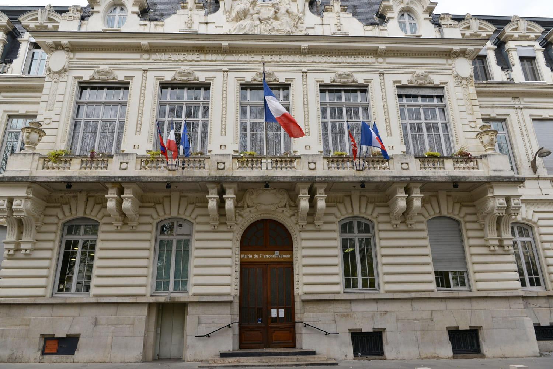 Déclaration de décès: démarches, documents à fournir, délai en France