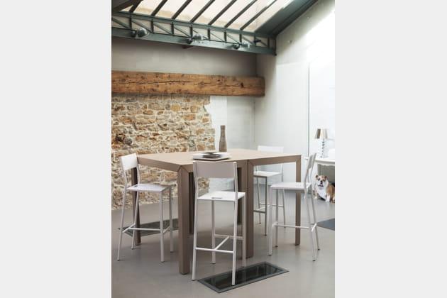 table zonda de mati re grise. Black Bedroom Furniture Sets. Home Design Ideas