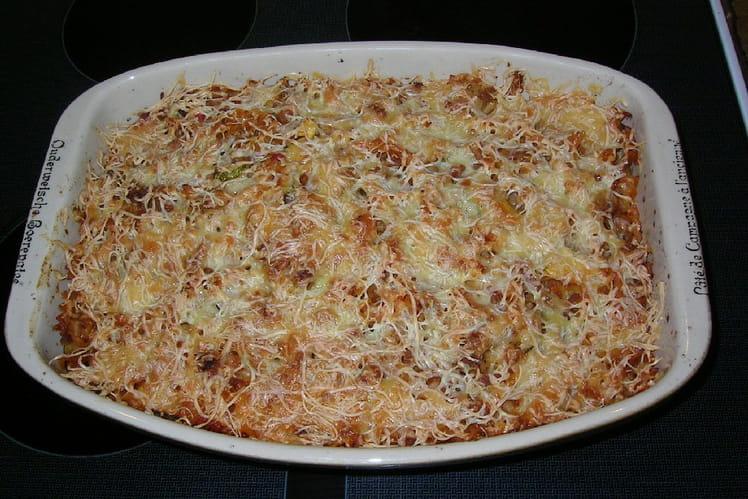 Gratin de macaroni aux tomates, carottes et courgette