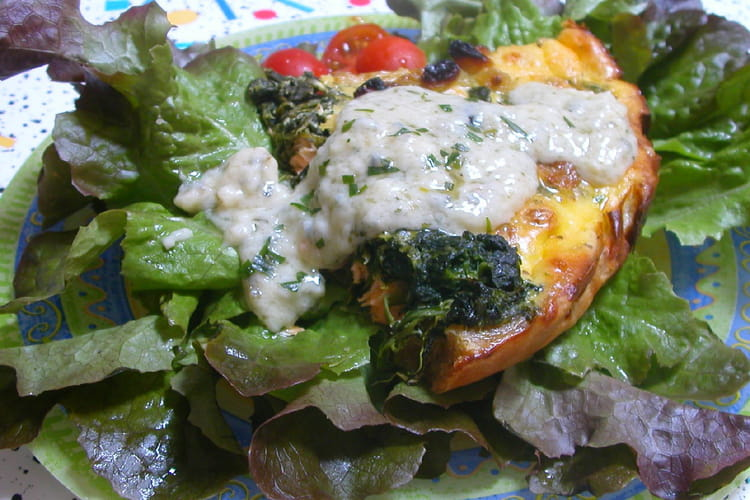 Tarte saumon-épinards, sauce au gorgonzola