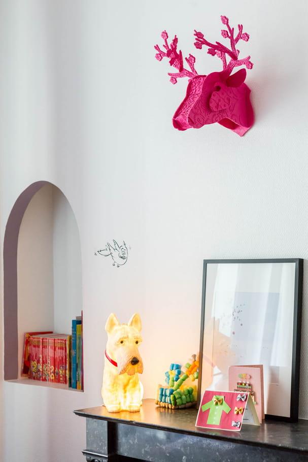 chemin e d co ambiance haussmannienne contemporaine dans un appart 39 parisien journal des femmes. Black Bedroom Furniture Sets. Home Design Ideas