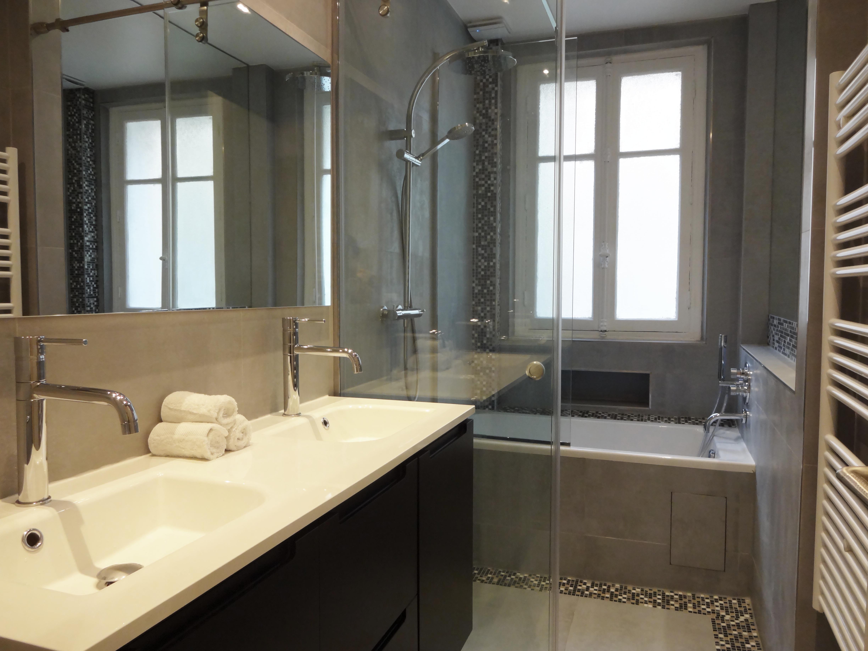 Awesome Agencement Salle De Bain En Longueur Contemporary Design