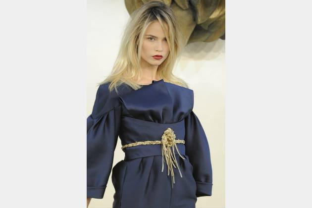La ceinture lion du défilé Chanel haute couture automne-hiver 2010-2011
